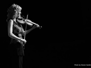 Darkviolin review of Natalie Macmaster performance 2013, photo by Steven Sandick