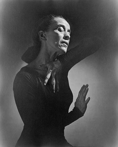 Photo Martha_Graham_1948-library-and-archives-canada-credit-yousuf-karsh-