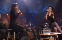 Mary Ramsey and Matalie Merchant in 1993 via YouTube