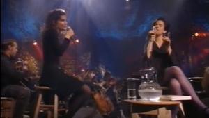 Mary Ramsey and Matalie Merchant in 1993 via YouTube